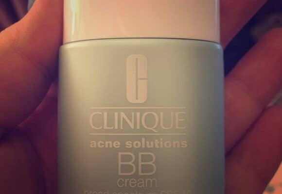 Best BB Creams for Acne-Prone Skin: Reviews & Buying Guide