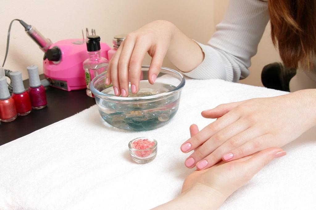 Nail Salon Near Me: 2019 Best Manicure Services Near You ...