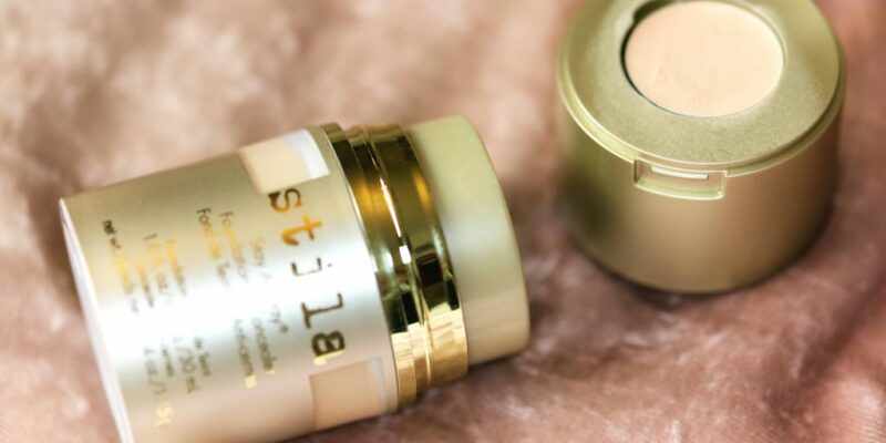 Best Foundations & Concealers for Freckles