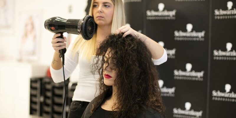 Best Hair Dryer for Curly Hair: Handle Your Curly Hair the Right Way